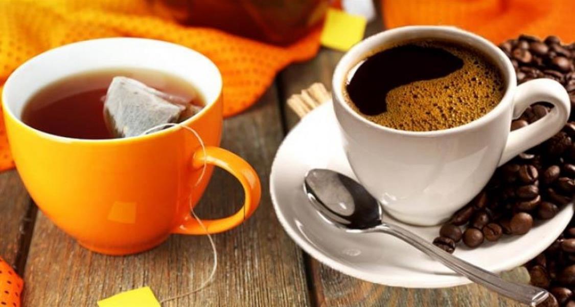 7- شرب الشاب الساخن جداً والقهوة: شرب السوائل الساخنة جداً، يمكن أن يكونوا أكثر عرضة للإصابة بسرطان المريء.