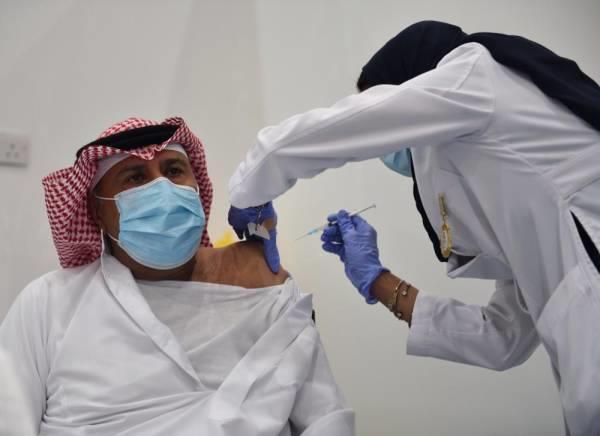 المملكة توفر اللقاح للمواطنين والمقيمين مجانا