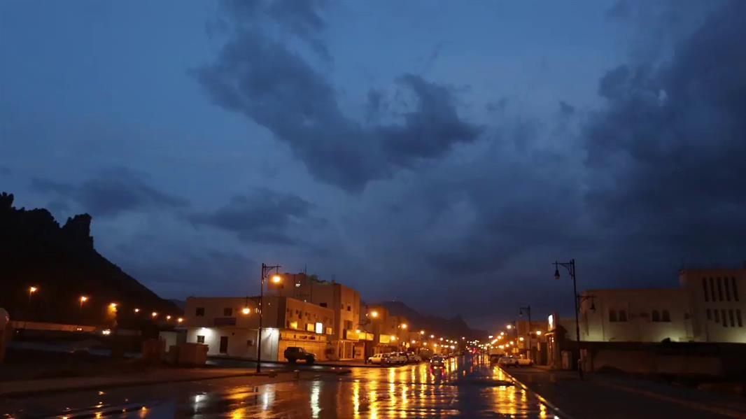 """""""الأرصاد"""": تنبيهات بأمطار من متوسطة إلى غزيرة في عدة مناطق وأمطار رعدية بأخرى"""