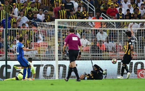 عبدالرحمن بن مساعد: مدافع الاتحاد قام سالما بعد 10 ثواني من هدف الهلال