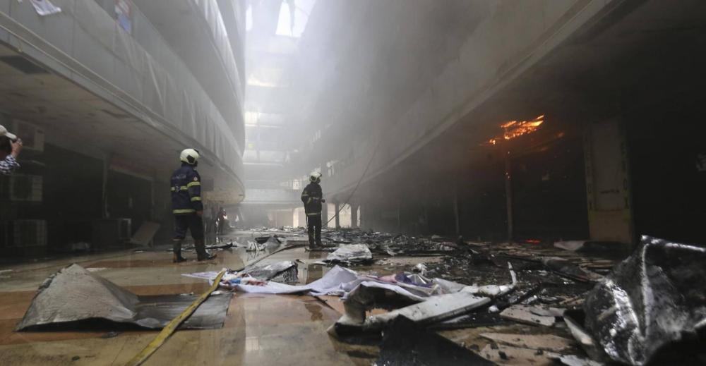 """في حادثة جديدة .. قتل 16 شخصا مصابا بـ """"كورونا"""" وممرضتان إثر حريق بأحد مستشفيات الهند"""