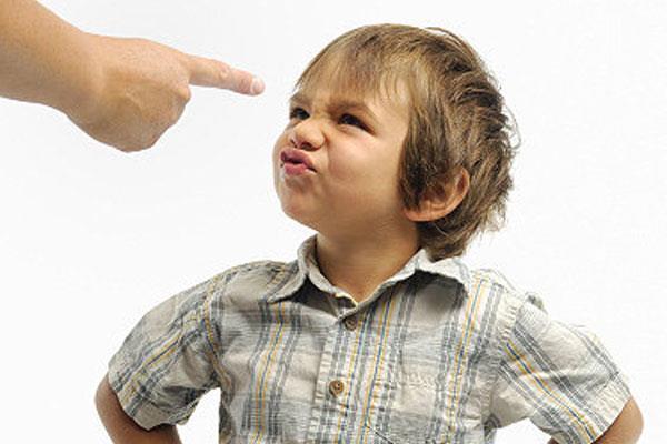تتصرف استخدم طفلك ألفاظ بذيئة