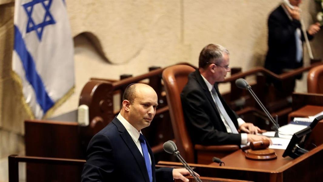نهاية عهد نتنياهو .. الحكومة الإسرائيلية الجديدة برئاسة نفتالي بينيت تفوز بثقة البرلمان