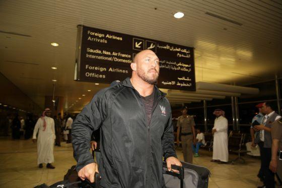 . نجوم المصارعة في الرياض