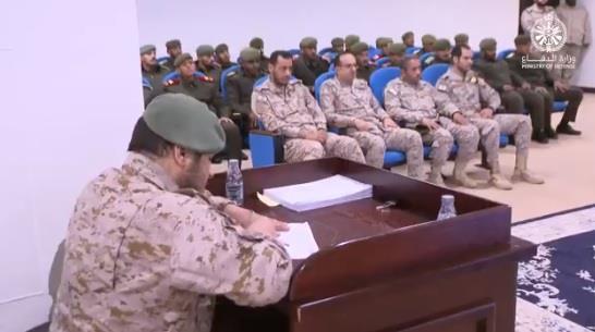وفد من طلبة كلية الملك عبدالعزيز الحربية يزور ديوان المحاكمات العسكرية