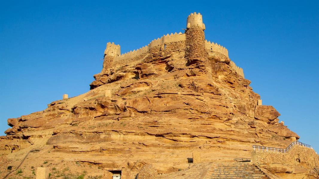 أمير عسير يوجه بتنفيذ أعمال مشروع تطوير القلاع والحصون التاريخية بالمنطقة