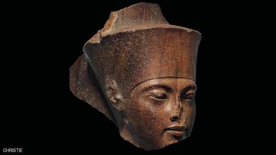 مصر طالبت بوقف بيع تمثال توت عنخ آمون