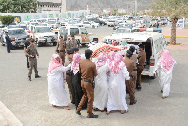 تشييع جثمان رجل الأمن الذي استشهد أثناء عملية ضبط مطلوب أمني بمحايل عسير