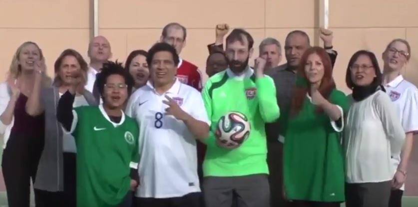 بالفيديو.. أفراد السفارة الأمريكية بالرياض يشجعون المنتخب بـ جاكم الإعصار