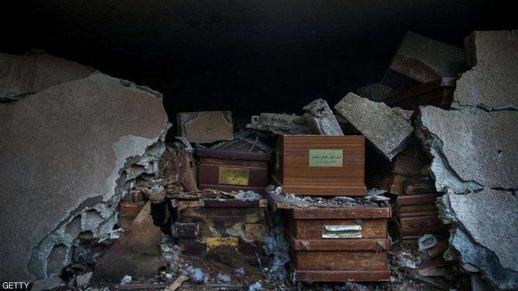 دمار العديد من مقابر الموتى