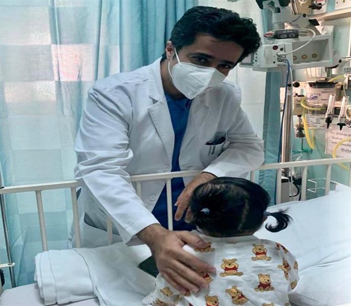 إنقاذ رضيعة عمرها 10 أشهر كانت تعاني من تشوهات خلقية معقدة بالقفص الصدري في الرياض