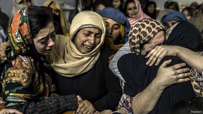 141 قتيلا بهجوم على مدرسة في بيشاور