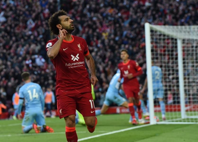 """على طريقة """"مارادونا"""" محمد صلاح يسجل هدفًا رائعًا في مرمى مانشستر سيتي"""