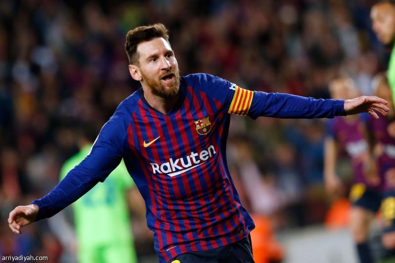 ميسي يتوج برشلونة بطلا للدوري الإسباني