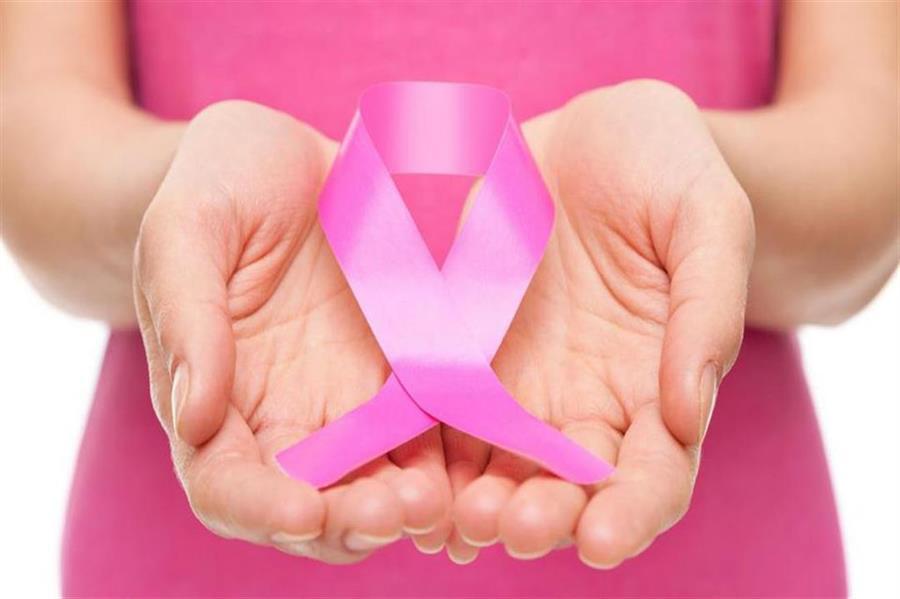 منها موانع الحمل وتأخر الزواج.. مختص يوضح أسباب إصابة السيدات بسرطان الثدي