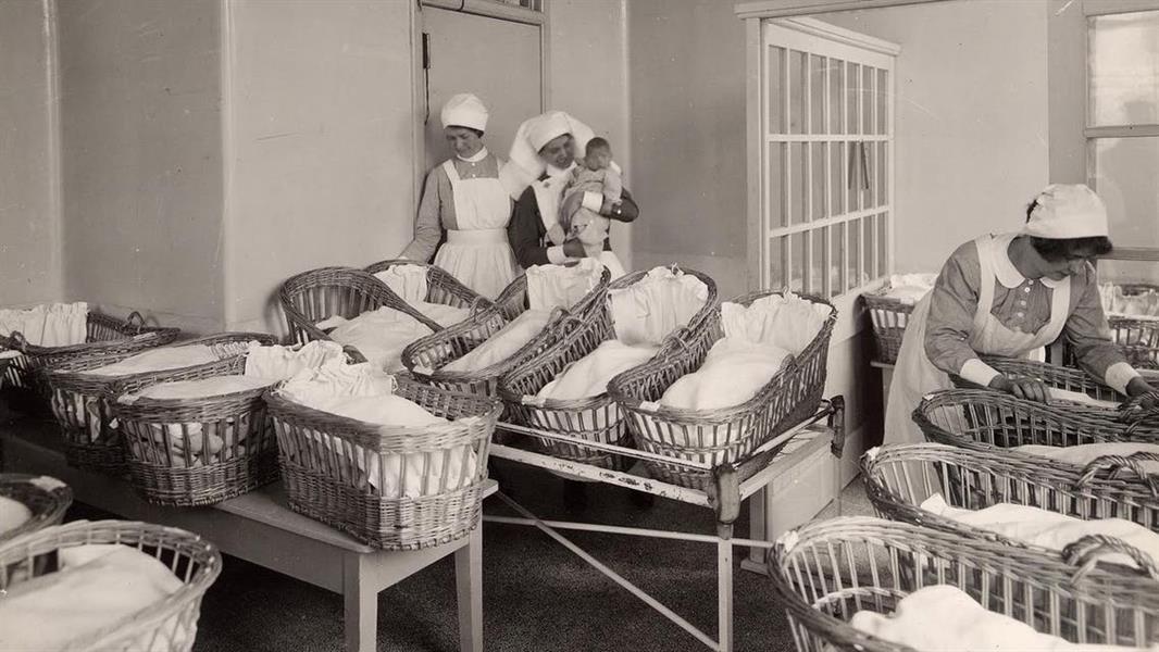 بفضل هؤلاء الأطباء ، دخلت النساء عالم الطب