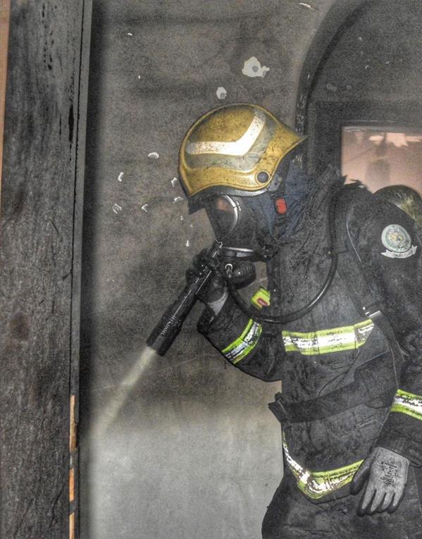 إصابة 6 أشخاص في حريق شقة فندقية بجدة