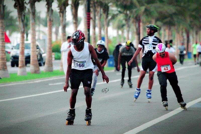 في حدث يُعدُّ الأول من نوعه في السعودية.. انطلاق رياضة التزلج بجدة