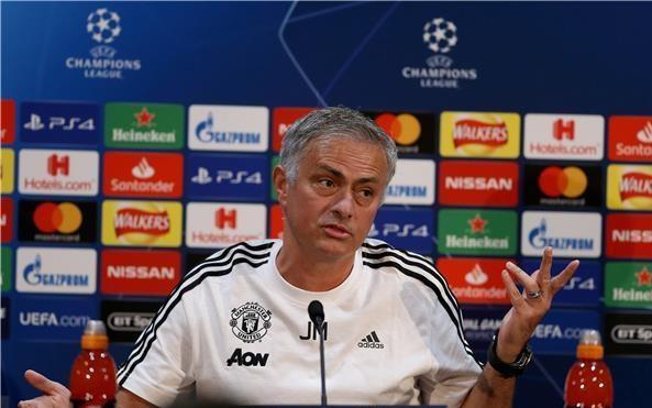 مورينيو يكشف حقيقة مكالمة زيدان لـ تدريب مانشستر يونايتد