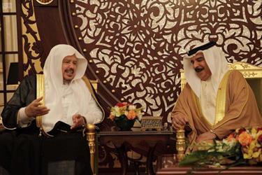 ملك البحرين يستقبل رئيس مجلس الشورى