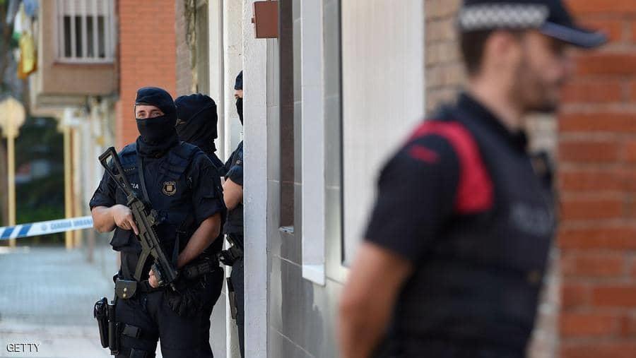 أرشيفية لأفراد من الشرطة الإسبانية في برشلونة