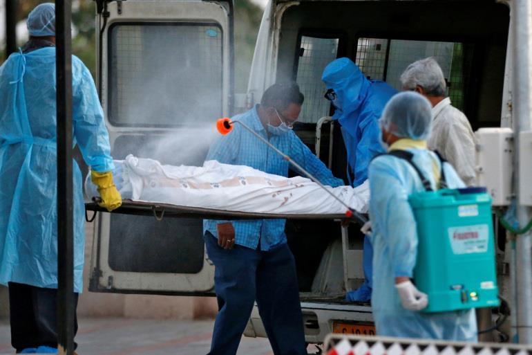 سجل عدد القتلى في الهند وواشنطن لاستئناف التطعيم بلقاح جونسون آند جونسون
