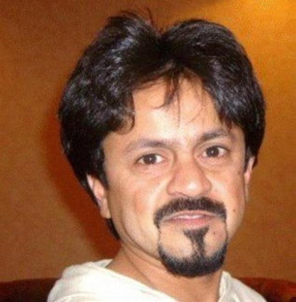 الفنان الباكستاني فرحان العلي