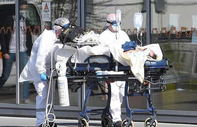 الولايات المتحدة تسجّل 54,357 إصابة مؤكدة و 725 حالة وفاة نتيجة فيروس كورونا