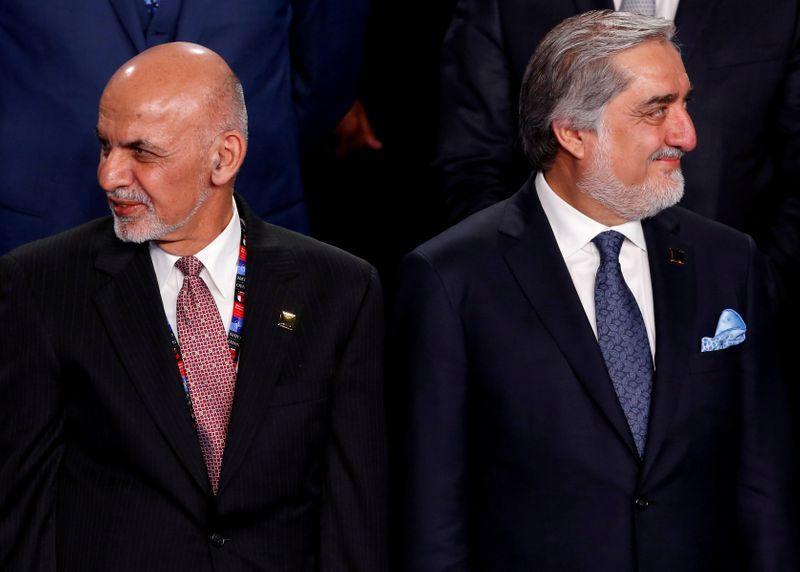 الرئيس الأفغاني ومنافسه