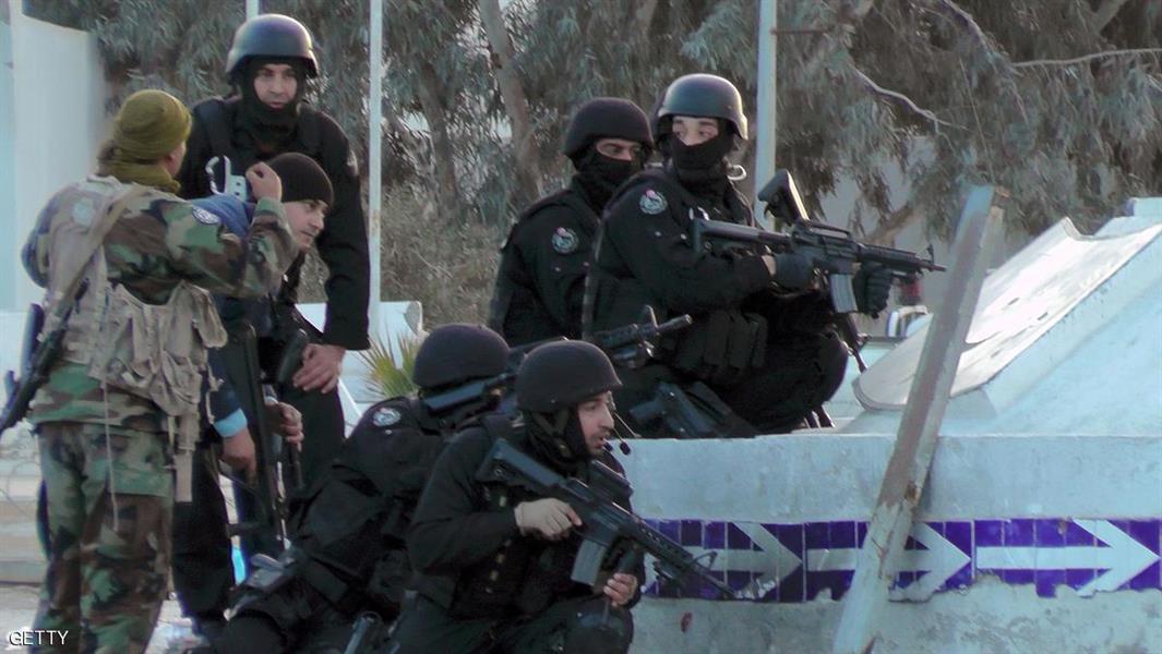 تونس تعلن إغلاق الحدود مع ليبيا