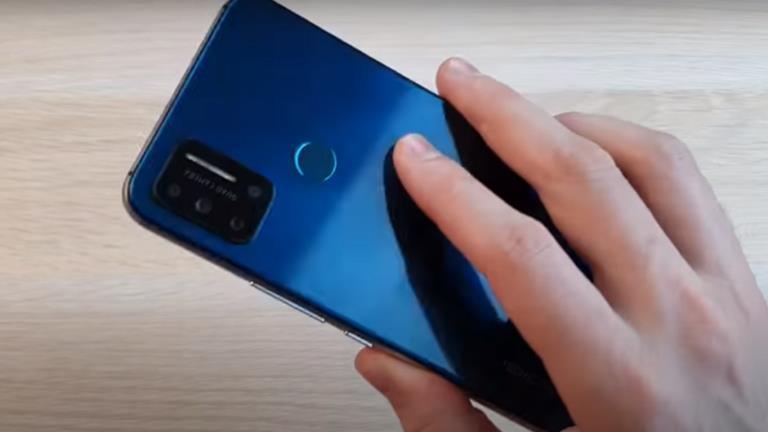 الصين تُطلق أول هاتف رخيص في العالم
