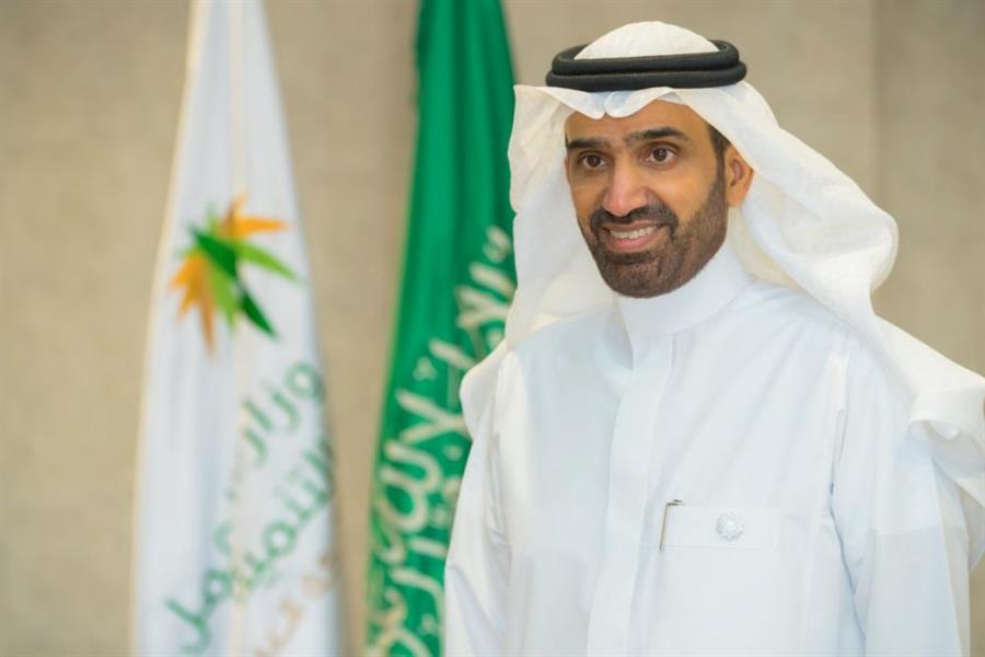 وزير الموارد البشرية والتنمية الاجتماعية، المهندس أحمد الراجحي