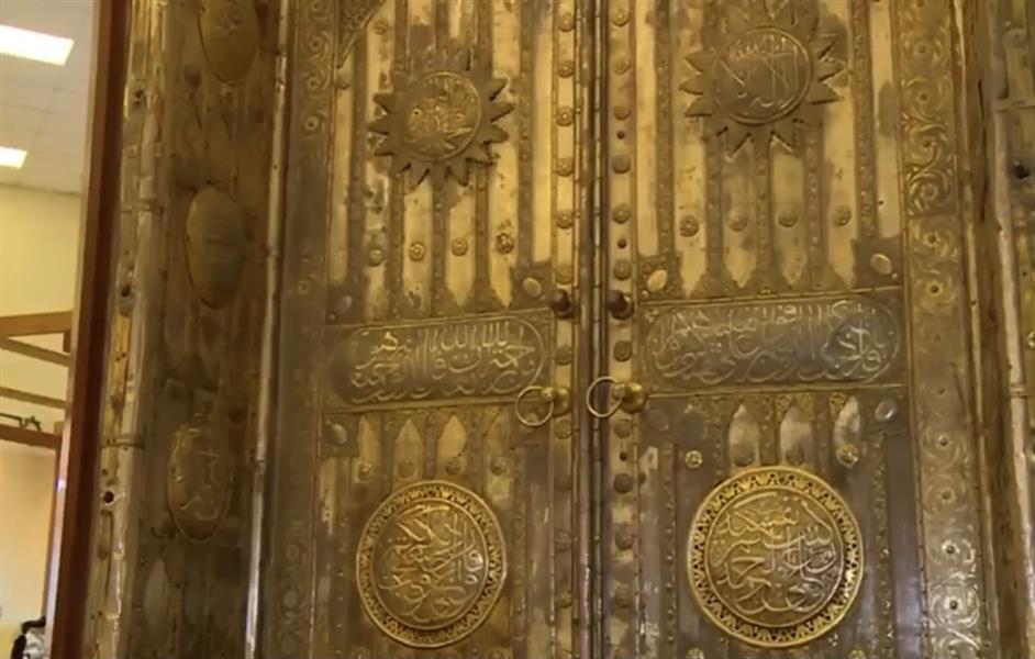 عمره 79 عاماً.. معرض عمارة الحرمين يحتضن باب الكعبة المُشرفة (فيديو)