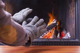 أسباب برودة الأطراف في الشتاء.. وأبرز الطرق لتدفئتها