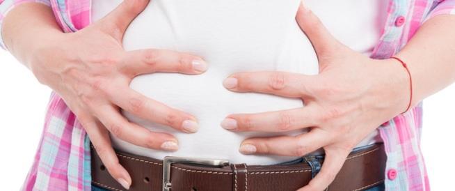 انتفاخ المعدة قد يكون علامة على انخفاض مستويات فيتامين ضروري للجسم!