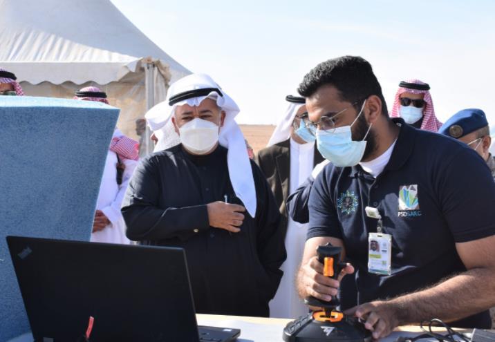 صور.. مساعد وزير الدفاع يقف على الصناعات الوطنية في مجال الأنظمة التقنية والدفاعية
