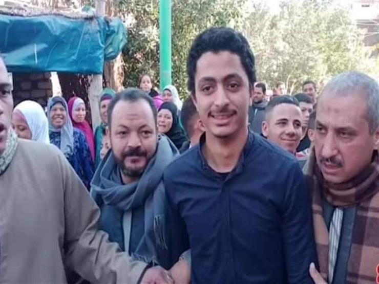 شاب في مصر يعود لأسرته بعد 21 عاماً من فقدانه.. وهذه قصته