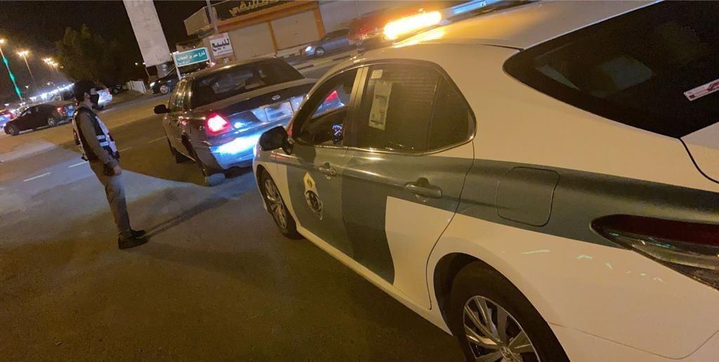 القبض على قائد مركبة ظهر في فيديو يقود بتهور
