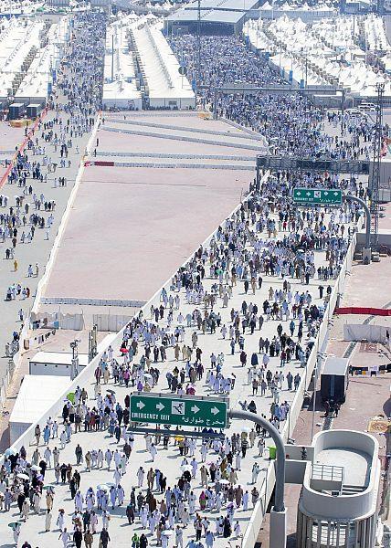 كم عدد الحجاج الذين خدمتهم السعودية خلال 10 سنوات ماضية؟