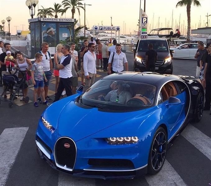 """بالفيديو والصور.. أسرع سيارة في العالم تظهر لأول مرة في شوارع """"كان"""" بلوحات سعودية"""