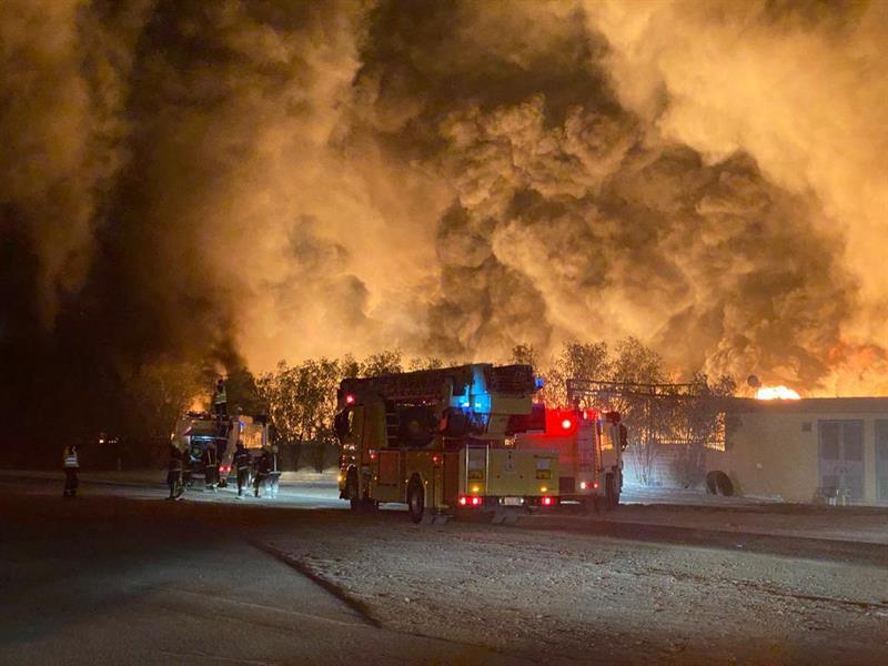 حريق اندلع بأحد المصانع في الرياض