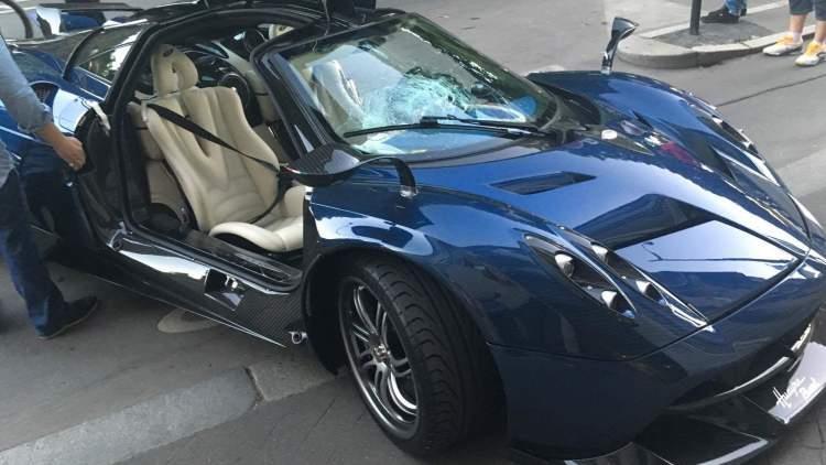 سعودي يحطم سيارته الإيطالية الفريدة من نوعها