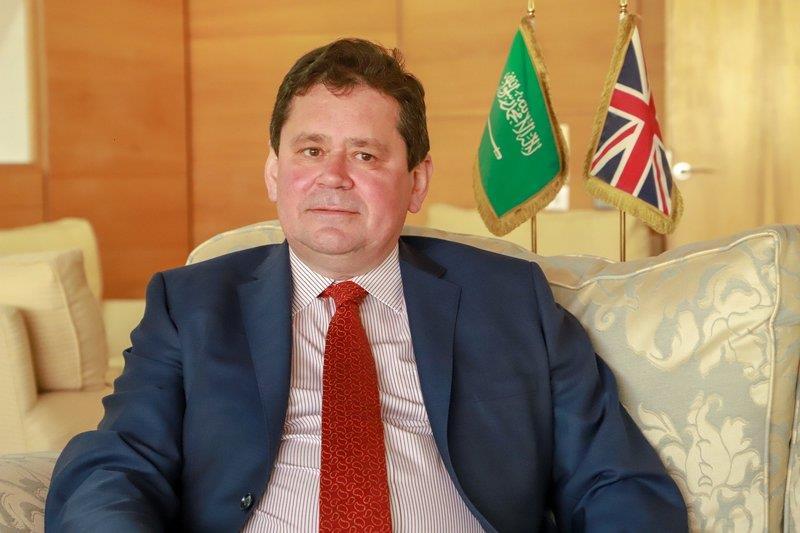 سفير بريطانيا يهنئ المملكة باليوم الوطني ويشيد بالتعاون الوثيق بين البلدين