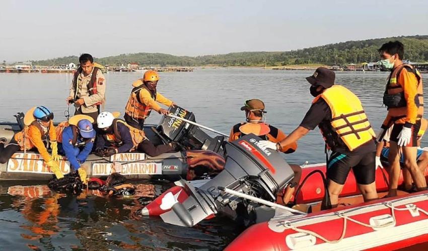 صورة ذاتية تتسبب في غرق سفينة ومقتل 7 من ركابها في إندونيسيا