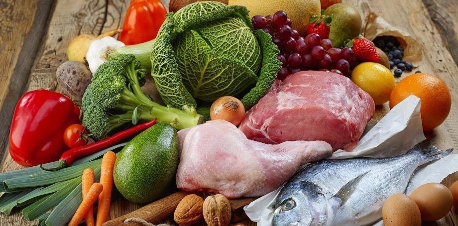 دراسة تحذر من أكل الأطعمة النيئة وغير المطبوخة