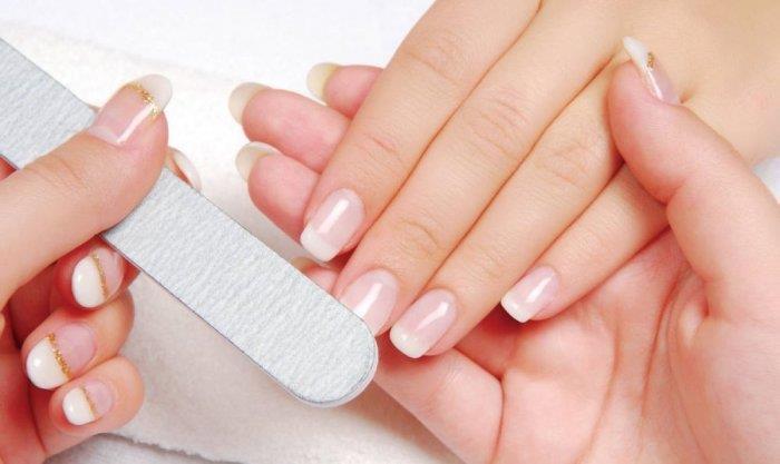 تبييض الأظافر ممكن بأساليب سهلة وحلول عمليّة