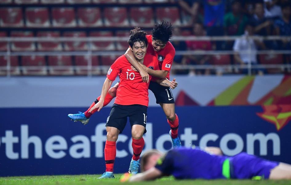 كوريا الجنوبية تصعد لنهائي كأس آسيا وترافق السعودية لأولمبياد طوكيو