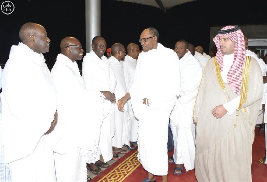 رئيس جمهورية نيجيريا يصل جدة