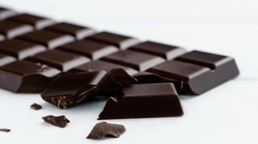 بما في ذلك الشوكولاته الداكنة .. 6 أطعمة تساعد على تغذية ميكروبيوم الأمعاء من أجل صحة أفضل