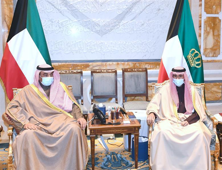 الكويت: رئيس الوزراء يتقدم باستقالة الحكومة إلى أمير البلاد